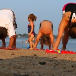 beach_yoga_kidwanter